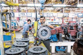 Slower industrial output growth and lower inflation may put pressure on RBI's monetary policy committee to change its policy stance to accommodative from neutral. Photo: HT