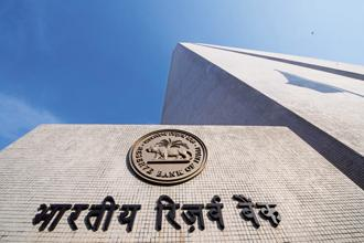 Today the gap between RBI's policy rate and the rate path prescribed by the Taylor rule is at its widest in nearly two years. Photo: Aniruddha Chowdhury/Mint