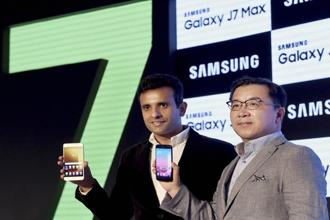 Ken Kang (R), MD and head of mobile business, Samsung India and Sumit Walia, director mobile business, launch the Samsung Galaxy J7 Pro and Galaxy J7 Max smartphones in New Delhi on Wednesday. Photo: PTI