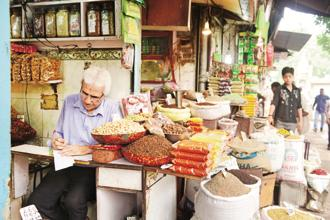 Food inflation contracted 2.27% after accelerating 1.16% in the previous month with prices of all food items declining. Photo: Ramesh Pathania/ Mint