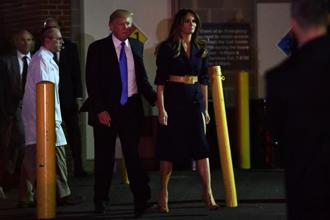 US President Donald Trump and First Lady Melania Trump visited Steve Scalise, bringing flowers. Photo: AFP