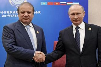 Pakistan Prime Minister Nawaz Sharif (left) and Russia President Vladimir Putin during the Shanghai Cooperation Organization (SCO) summit in Astana, Kazakhstan. Photo: AP