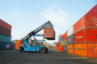 Growth in India's containerized-trade volumes fell to 7% in the first three months of 2017, from 10% a year ago, as import growth dropped and exports sustained the previous period's 8% expansion. Photo: Mint