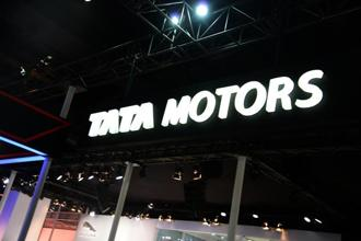 Shares of Tata Motors rose 3.28% to Rs467.15 on BSE, while the benchmark Sensex declined 0.04% to 31,297.53 points. Photo: Mint