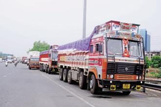 Industrial areas like Jammu, Gangyal, Bari Brahama, Samba and Kathua, hundreds of industrial units have stopped production in view of bills and supply problems caused by non-implementation of GST in the state. Photo: Hindustan Times