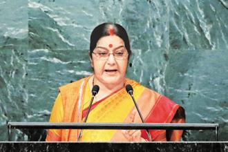 Sushma Swaraj assured that India would immediately issue medical visas to Pakistani nationals for treatment in India if they are recommended by Sartaj Aziz. Photo: Reuters