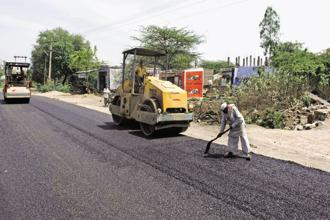 The cabinet also approved the four-laning of Solapur-Bijapur section of NH-52 in Maharashtra and Karnataka. File photo: Mint