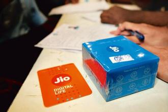 In the mobile services segment, Reliance Jio continued to lead the growth momentum with net addition of 4.7 million new customers, accounting for about 75% of overall net subscriber addition. Photo: Indranil Bhoumik/Mint