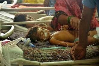 Children receive treatments in the Encephalitis Ward at the BRD Medical College Hospital in Gorakhpur where over 30 children in four days. Photo: PTI
