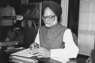 Then finance minister Manmohan Singh giving final touches to the budget for 1991-92. The 1991 reforms, or liberalization of the Indian economy, unleashed forces that could no longer be held back nor, indeed, reversed.