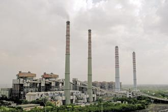 A file photo of a thermal power station. Toxics Link, an India-based NGO working on environmental issues, said reducing emissions of mercury from thermal power plants continues to be a challenge for the country. Photo: Mint