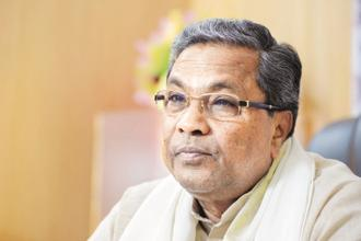 Karnataka CM Siddaramaiah launched the personal Twitter handle after users slammed him for using his official handle, (@CMofKarnataka), to make political comments or criticize opponents.  File photo: Hemant Mishra/Mint