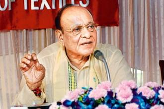Former Gujarat Congress leader Shankersinh Vaghela has already clarified that he is not going back to the BJP which he had quit in 1990s. Photo: HT