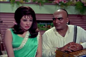 Saira Banu and Mehmood in the 'Ek Chatur Naar' song sequence in 'Padosan'.
