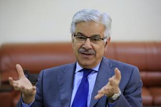Pakistan foreign minister Khawaja Muhammad Asif will pay an official visit to China on 8 September. Photo: AFP