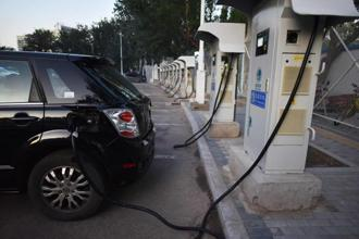 World over, electric vehicles are backed by 30-40% subsidy. India does not have enough money to fund a subsidy. Photo: AFP