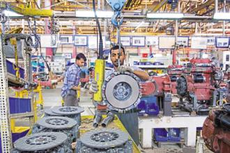 India GDP growth rate slowed to 5.7% in the first quarter of 2017-18. Photo: HT