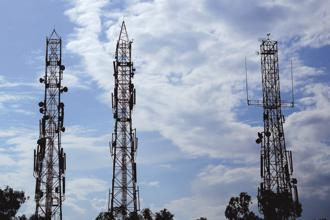 With the proposed Idea-Vodafone merger on the anvil, both the telecom firms are said to prefer sale of their respective tower assets to a single buyer. Photo: Priyanka Parashar/Mint
