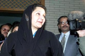 Nawaz Sharif's wife Kulsoom Nawaz has been diagnosed with an early stage of throat cancer. Photo: Reuters