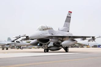 A file photo of an F-16 fighter jet, which is manufactured by Lockheed Martin. Tata Advanced Systems has a tie-up with the US firm and is pitching for Indian Air Force's multibillion-dollar fighter jet deal. Photo: Bloomberg