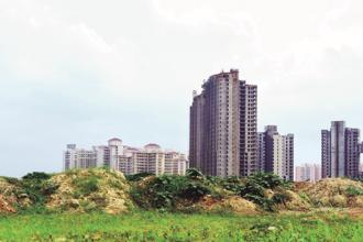 Shapoorji Pallonji Real Estate plans to invest Rs600 crore on buying land parcels this year to build a pipeline of projects. Photo: Ramesh Pathania/Mint