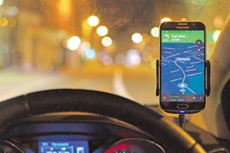 The GPS system today tells us exactly where to go, how to reach there, what time it will take and how much traffic we will encounter on the way. Photo: iStock