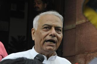 With both businesses and farmers suffering, Modi will face voters who are angry about the lack of job growth, Yashwant Sinha said, noting the PM will 'have to take the entire blame' himself. Photo: Hindustan Times