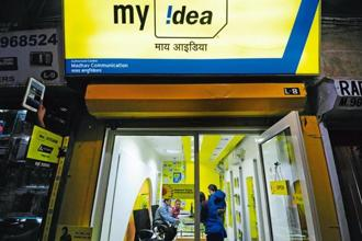 An Idea Cellular statement said it has rapidly expanded network to 2.60 lakh sites across the country, with 50% dedicated to mobile broadband services. Photo: Pradeep Gaur/ Mint