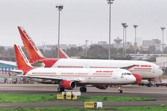 In 2000, the Tata group and Singapore Airlines had expressed their interest in acquiring up to 40% of Air India. Photo: Abhijit Bhatlekar/Mint