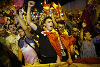 This Sunday saw demonstrations in the Catalan capital involving some 350,000 people protesting against independence and in favour of a united Spain. Photo: AP