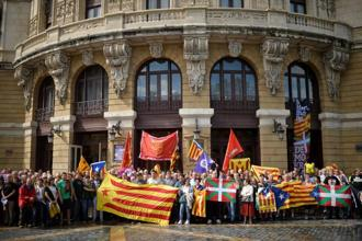 Protesters hold a rally in favour of a referendum on independence from Spain for the autonomous community of Catalonia, in the Basque city of Bilbao, Spain on Monday. Photo: Reuters