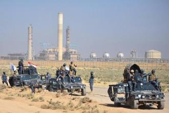 Members of Iraqi federal forces gather near oil fields in Kirkuk, Iraq on 16 October 2017. Photo: Reuters