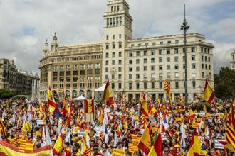The Spanish state is turning up the pressure on the separatist leaders as Prime Minister Mariano Rajoy tries to persuade Puigdemont to drop his push for independence. Photo: Bloomberg