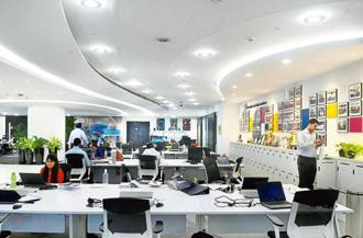 The Siemens office at Worli has large open-plan desks. Photographs by Abhijit Bhatlekar/Mint