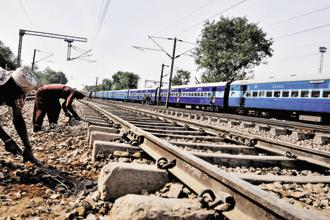 Railway officials said that more than 1,300 workers and 300 engineers have been working round-the-clock to complete the bridge by May 2019. Photo: Priyanka Parashar/Mint
