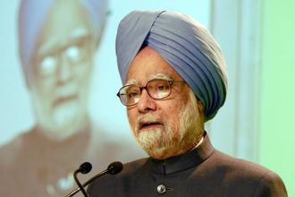 Former PM Manmohan Singh claimed that claimed that the Ahmedabad-Mumbai bullet train project will not benefit either Gujarat or India. Photo: HT