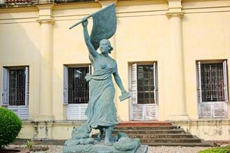 The statue of Marianne, a national symbol of France, outside the Dupleix mansion. Photos: Ganesh Vancheeswaran