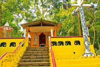 A Buddhist temple on an island in Koggala Lake. Photo: Alamy
