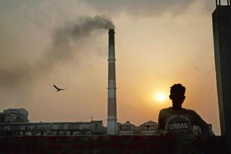 Emissions by the thermal power sector are significant in India, the biggest emitter of greenhouse gases after the US and China. About 58% of the installed power generation capacity of 331,117.58 megawatt (MW) is fuelled by coal. Photo: Bloomberg