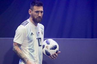 The team sponsorship stakes are high going into the FIFA World Cup in Russia next year, with Nike and Adidas jointly selling almost $5 billion worth of soccer gear last year. Photo: AP