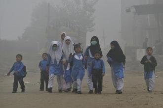 Why doesn't pollution ever become an election issue in India where 600,000 people die annually due to this? Photo: AFP