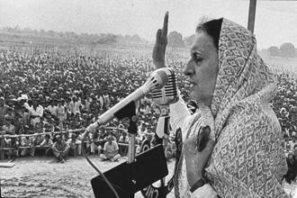Indira Gandhi at a political rally in 1980. Photo: Hindustan Times