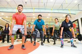 BodyPump instructor Sanjay Reddy (in blue) at Apple Fitness in Indiranagar, Bengaluru. Photo: Hemant Mishra/Mint