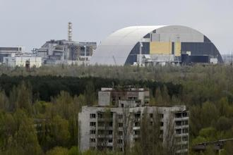 A containment shelter for the damaged fourth reactor at Chernobyl nuclear power plant. Ukraine's minister of ecology announced a plan in July 2016 to revitalize the 1,000-mile swath of land encircling the site of the nuclear 1986 meltdown. Photo: Reuters