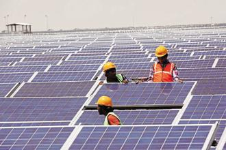 Of the 100GW of contracts that the ministry of new and renewable energy will award, 77GW will be solar power projects.