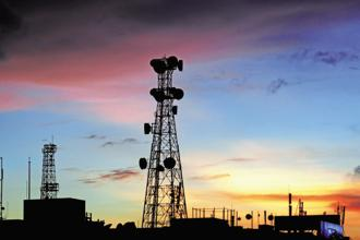 According to Indian Banks' Association estimates, the total liabilities of the telecom sector stood at Rs7.75 trillion as of 31 March, of which bank borrowings and liabilities towards spectrum payment to the telecom department stood at Rs5.80 trillion. Photo: Indranil Bhoumik/Mint