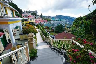 A view of the city from Hotel Mayfair Darjeeling. Photographs by Indranil Bhoumik/Mint