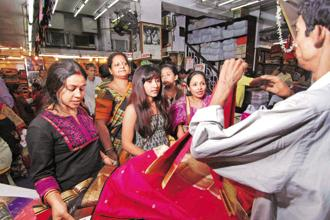 The share of households purchasing saris is higher in rural India at 85%. In urban India, 74% households reported purchasing saris. Photo: Indranil Bhoumik/Mint