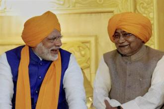 Prime Minister Narendra Modi and Bihar chief minister Nitish Kumar during the 350th birth anniversary celebrations of Guru Gobind Singh at Gandhi Maidan in Patna on Thursday. Photo: PTI