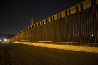 A file photo shows a portion of the new steel border fence that stretches along the US-Mexico border in Sunland Park, N.M. Photo: AP